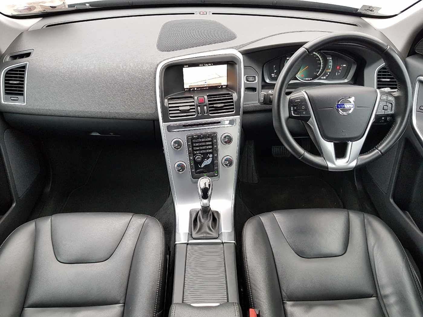 Volvo  D4 SE Automatic (Heated Screen, Heated Seats, Rear Camera, Front Sensors)