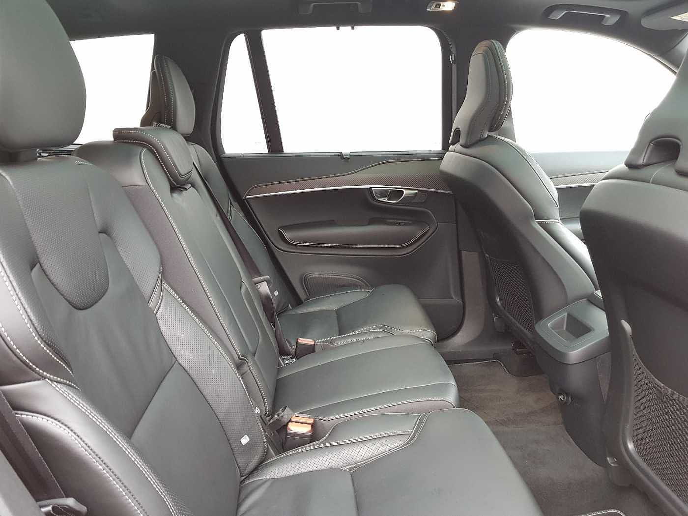 Volvo  D5 AWD R-Design Auto (Panoramic Sunroof, Full Leather, 360 Camera, BLIS)