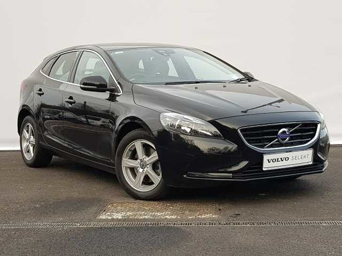 Volvo V40 D2 SE (Leather Upholstery, Rear Camera, Rear Sensors, Digital Dash)