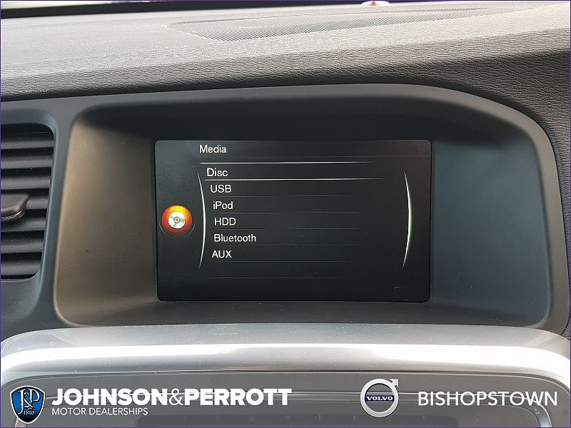 Volvo  D2 Business Edition (Navigation, Cruise Control, Rear Parking Sensors)